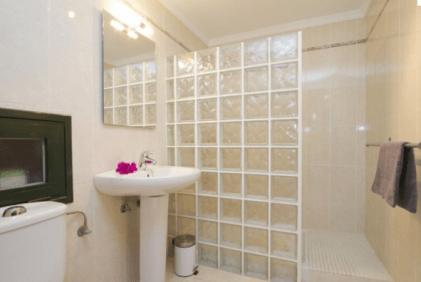 Villa_Elysium_bathroom