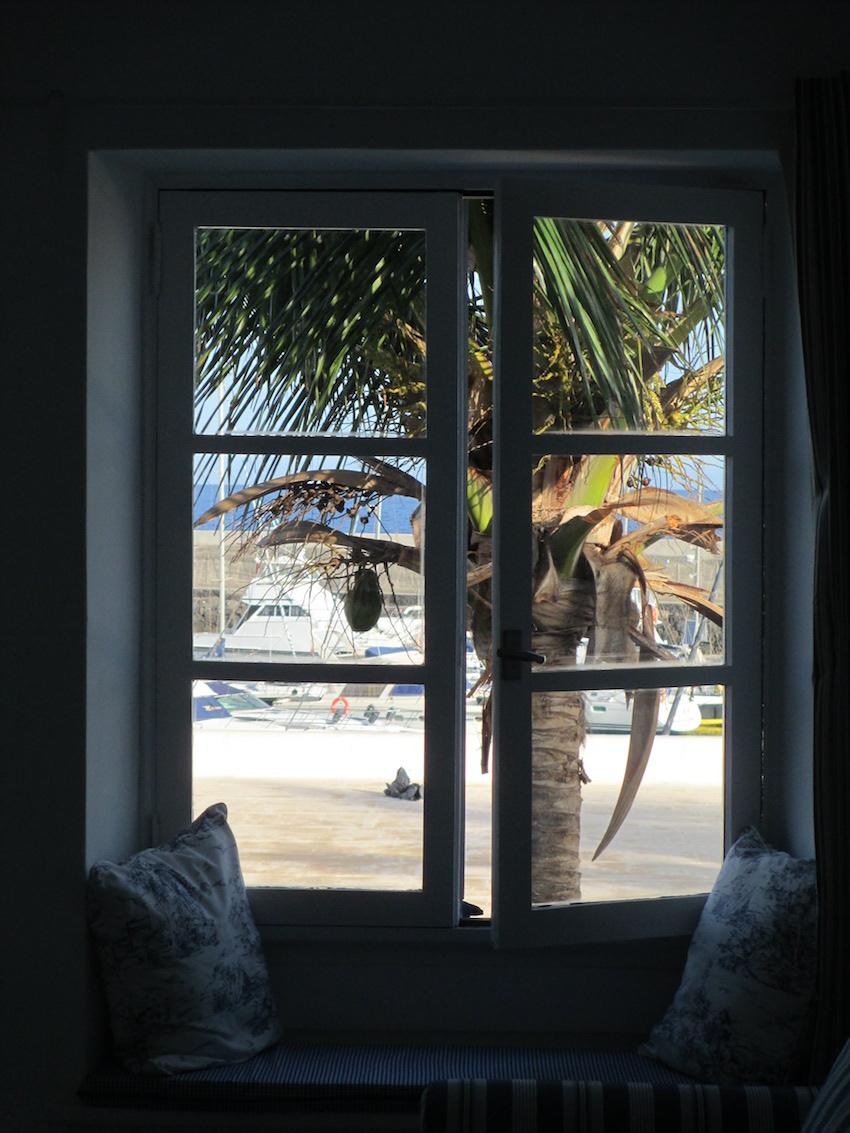Coconut-Window