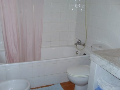 Cucharas Bathroom