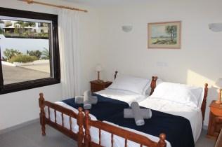 10 Bedroom3