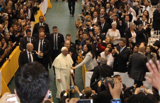Resultado de imagen para papa francisco en colegio de bachilleres