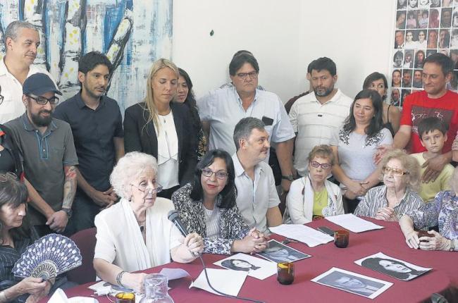 una-conferencia-prensa-abuelas-plaza-mayo-anunciaron-la-aparicion-la-nieta-127