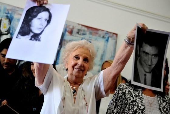 argentina-las-abuelas-de-plaza-de-mayo-son-candidatas-al-nobel-de-la-paz