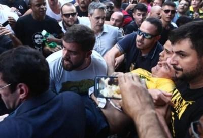 El candidato Jair Bolsonaro fue apuñalado durante un acto de campaña
