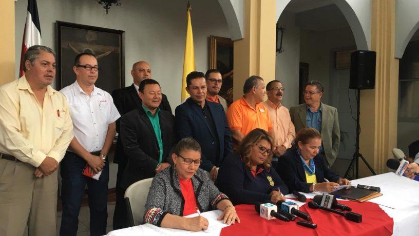 El gobierno de Costa Rica inicia el diálogo para destrabar la huelga