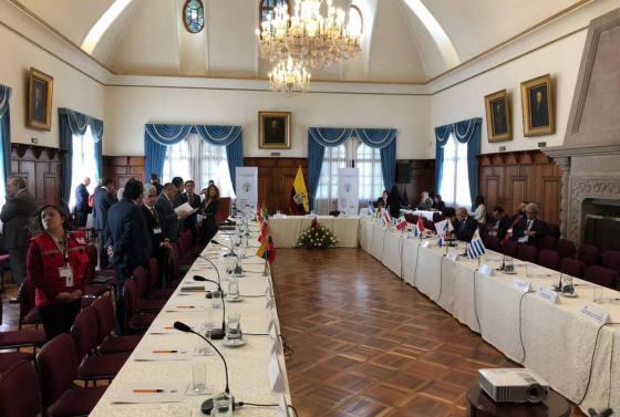 migrantes-venezolanos-autoridades-de-12-paises-se-reunen-en-ecuador