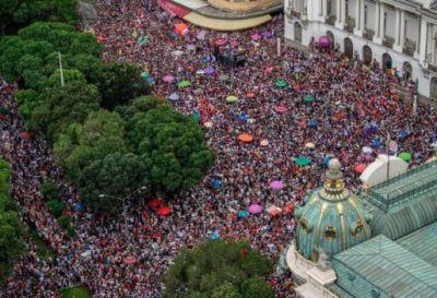 Miles de mujeres se manifestaron contra Bolsonaro en Brasil