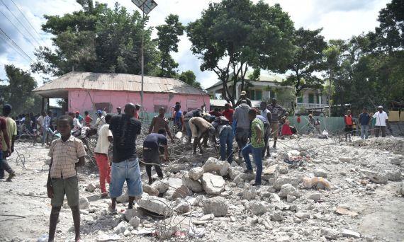 terremoto-de-59-grados-sacudio-a-haiti-dejando-14-muertos-y-mas-de-un-centenar-de-heridos