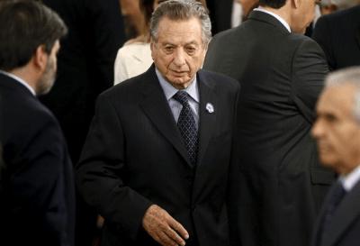 La justicia argentina cita a declarar por sobornos al hermano y al padre del presidente