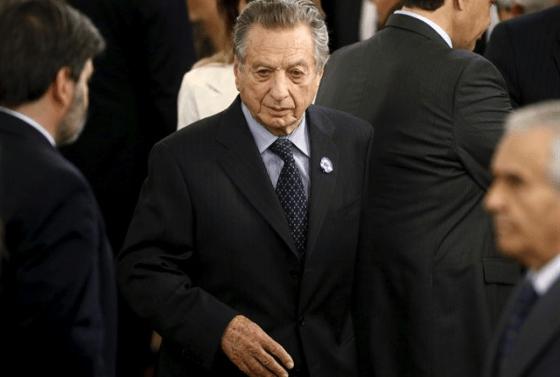 la-justicia-argentina-cita-a-declarar-por-sobornos-al-hermano-y-al-padre-del-presidente