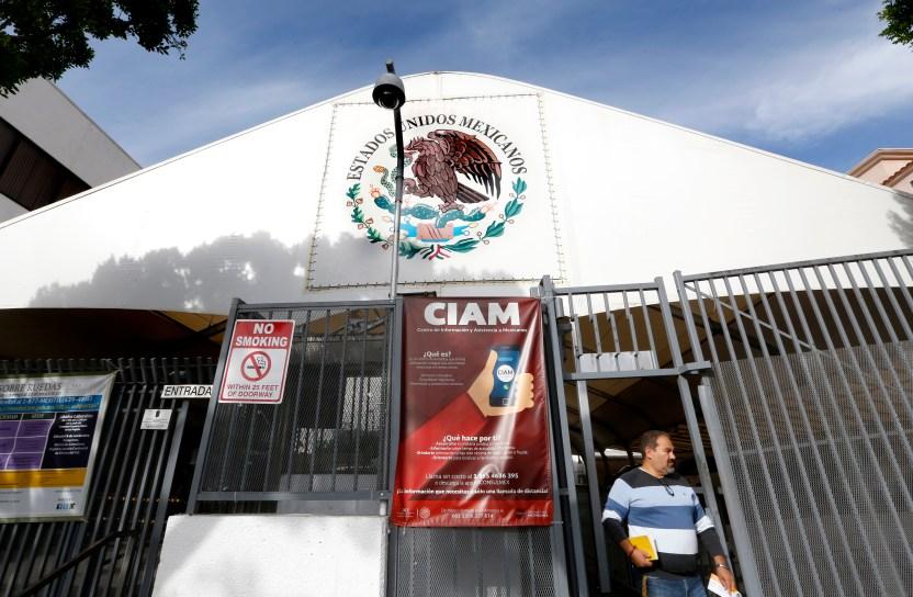 112917 3 mexican consulate - Traslado de restos de víctimas de COVID-19 a México todo un desafío