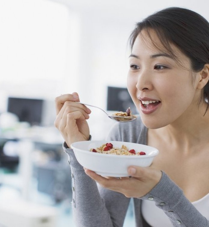 10 breakfast habits that make you gain weight