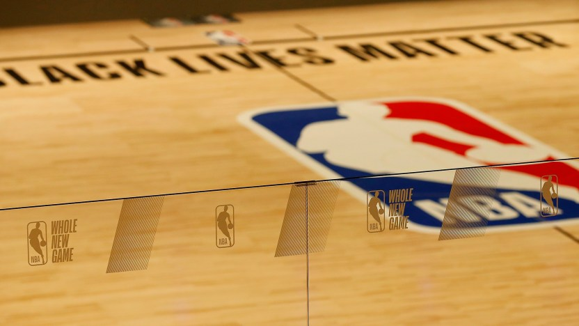 Jacob Blake NBA suspenden - NBA multa a los Spurs con $25,000 por violar reglas de descanso