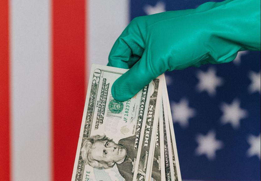 pexels karolina grabowska 4386394 e1596320374286 - El bono de $600 dólares por desempleo se terminó mientras el Congreso continúa sin acuerdo de un nuevo plan de estímulo económico