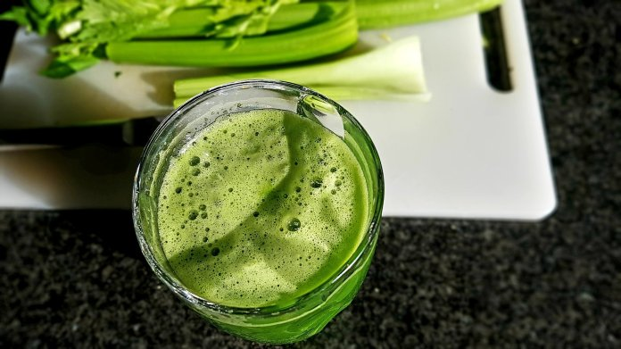 Thyroid problems?  Two detox remedies to heal them that also help the liver and lymphatic system