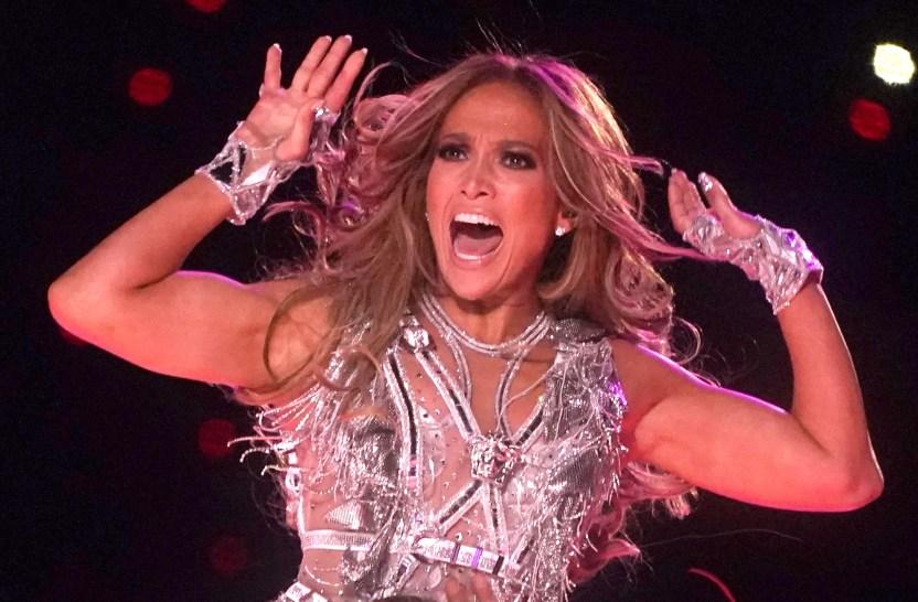 jenniferlopez polemica maluma - ¿Jennifer López terminó con Alex Rodríguez por su infidelidad con Madison LeCroy?
