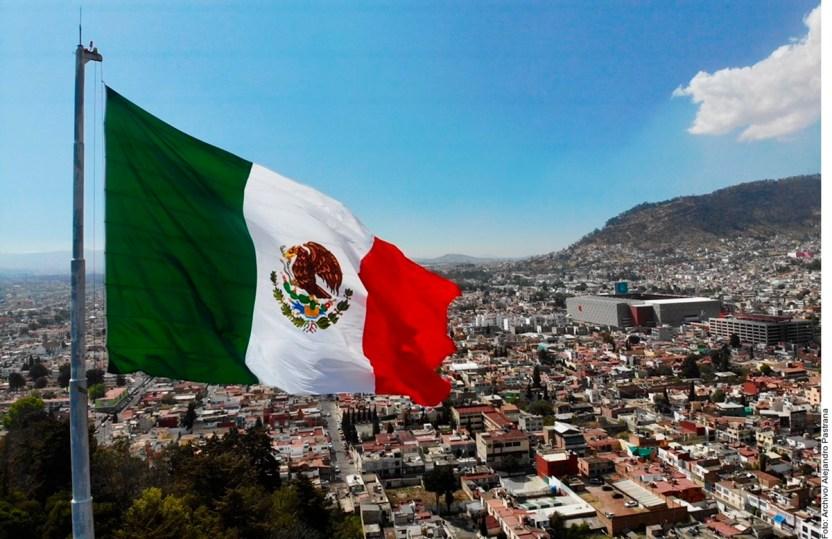 Ratifica SP calificaciones pa 1243993 ok - 2020, México a la sombra de la pandemia y cuatro temas más