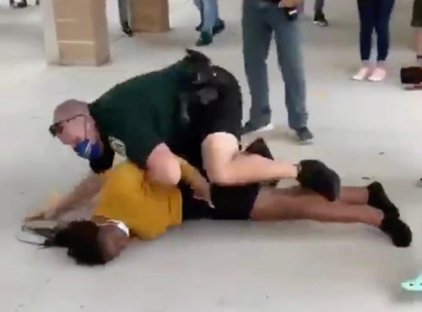 pelea escuela osceola - La brutal paliza que le dio un oficial de seguridad a una estudiante en una escuela de Florida
