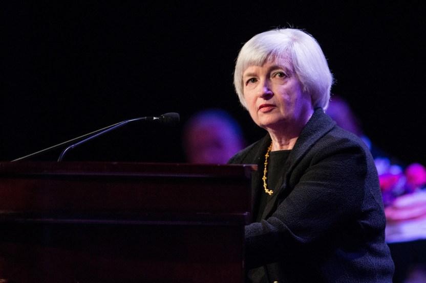 GettyImages 485096223 - Qué significa para tu bolsillo que la Fed pudiera elevar las tasas de los fondos federales