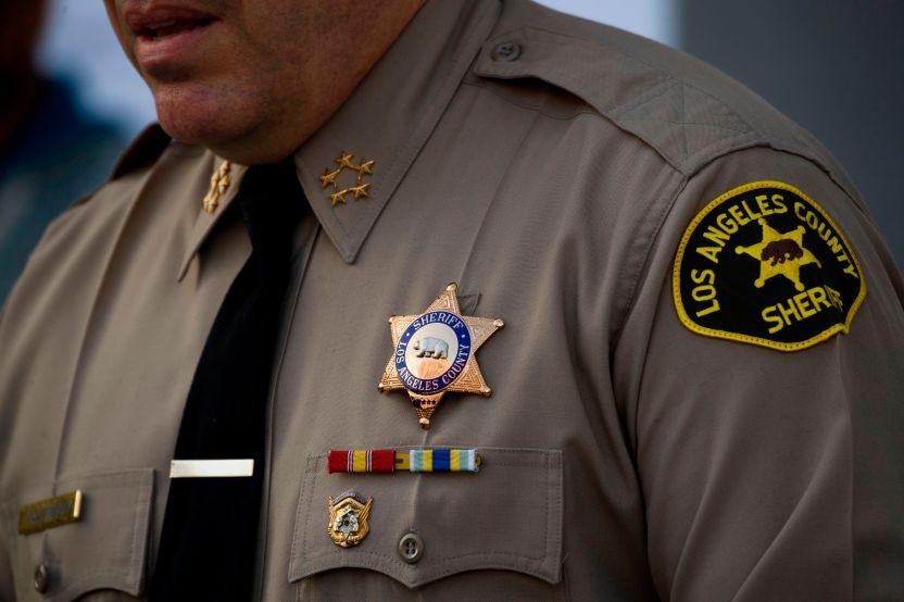 Sheriff Alex Villanueva GettyImages 1231070418 - LASD volverá a poner multas de estacionamiento a partir del 1 de abril