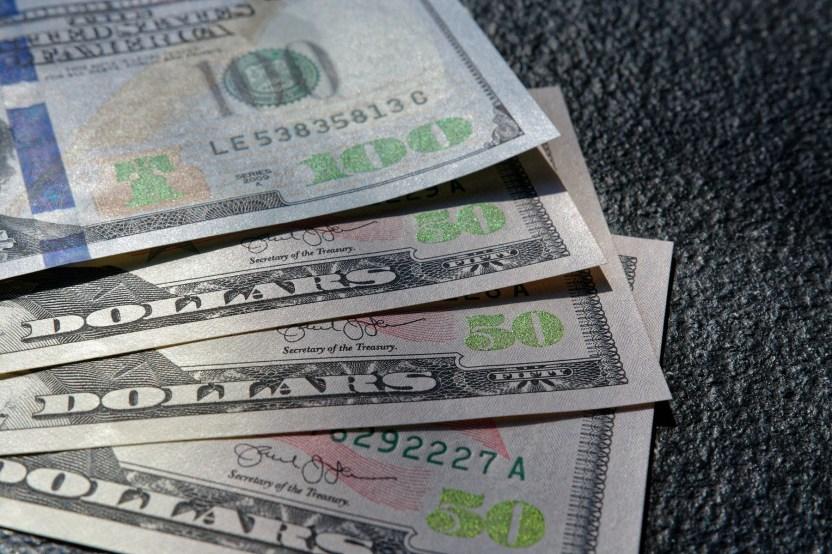 colin watts zymeAaWiRNQ unsplash - IRS: 'Aléjate de quienes te prometen mayores reembolsos de impuestos'