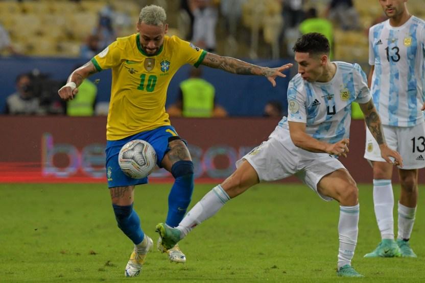 GettyImages 1233913441 - Le rompieron el short a Neymar en la final Argentina-Brasil