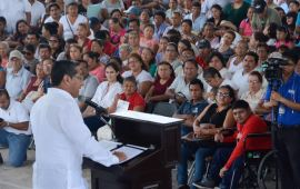 Entrega Gobierno del Estado títulos de propiedad en Cancún