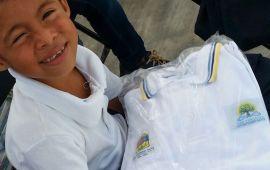Sancionan a empresa poblana por no entregar uniformes escolares a tiempo