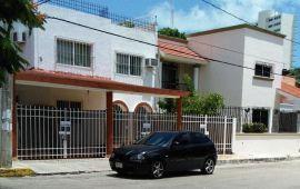Clausura municipio hostal en la SM 2A; vecinos esperan que ponga orden en la zona