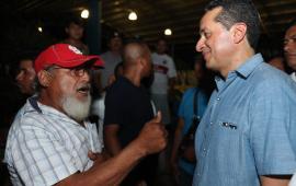 Más de 11 mil familias de campesinos mejoran su economía familiar al comercializar excedentes: Carlos Joaquín