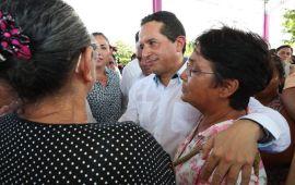 La construcción de 802 viviendas en la zona rural e indígena beneficia a las familias con carencias: Carlos Joaquín