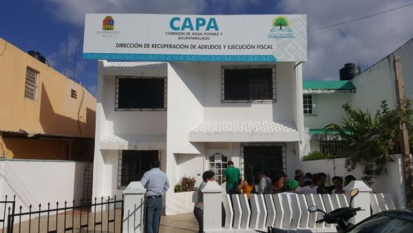 Aguardan horas en CAPA por obtener un descuento