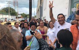 Renuncia Juan Vergara a precandidatura en el PRD