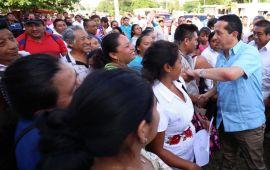 Hay obra pública contratada en Cozumel por 62.8 millones de pesos para que la gente viva mejor: Carlos Joaquín