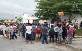 Se retiran invasores en Puerto Aventuras