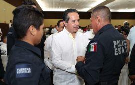 Carlos Joaquín ofrece conferencia magistral en el Centro de Estudios Superiores Navales