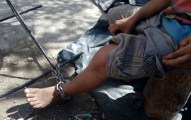 Rescatan a tres niños encadenados de los pies en Cancún