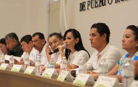 Laura Fernández pide licencia para ir por la reelección