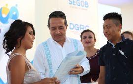 El gobierno de Carlos Joaquín simplifica y transparenta trámites para combatir la corrupción