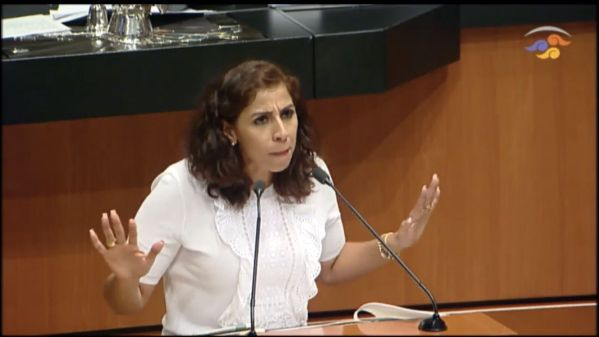 "MARYBEL REAVIVA GUERRA POLÍTICA | ""Carlos Joaquín no ha entendido que México ya cambió"", dice"