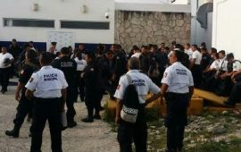 Levantan paro policias