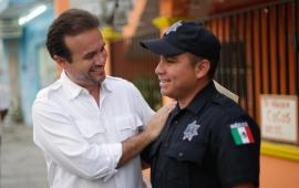 """Pone en marcha Pedro Joaquín el programa """"Policía en Tu Colonia"""""""