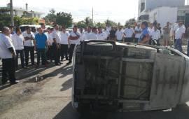 Taxistas vuelven a manifestarse contra mototaxis en Playa del Carmen
