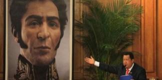 Hugo Chavez y Simon Bolivar