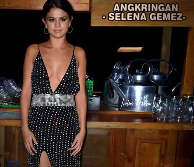 Angkringan Selena gemez, udah pernah mampir kesini belom