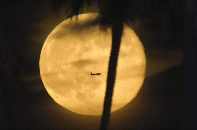 Kumpulan Foto Super Moon 10 Agustus 2014 Dari Berbagai Negara