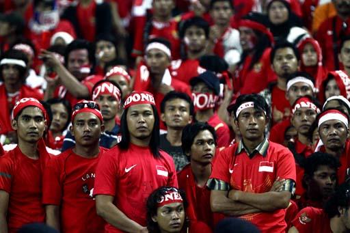 6 Tipe Fans Sepak Bola Di Indonesia Yang Unik