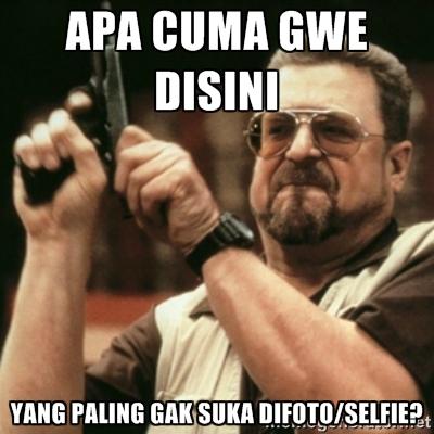 Alasan Kenapa Orang Gak Suka Selfie
