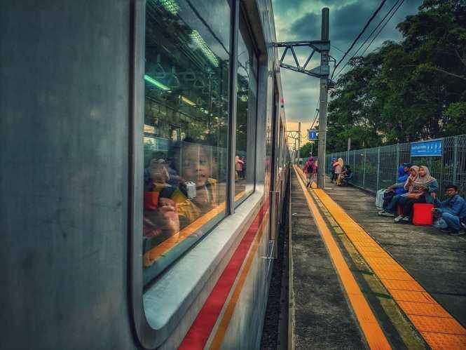 KRL Commuter Line Jakarta Relasi Stasiun Nambo ↔ Stasiun Duri