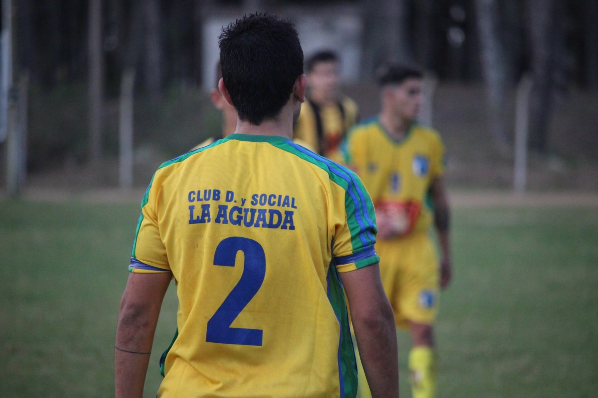 Juveniles: La Aguada perdió en sus dos categorías